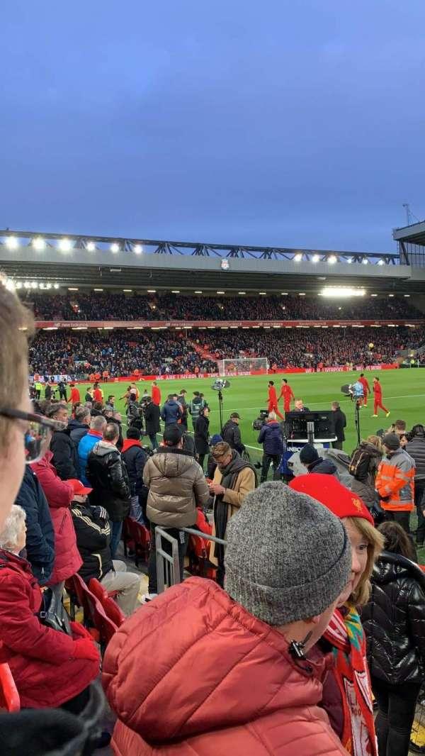 Anfield, secção: L7, fila: 3