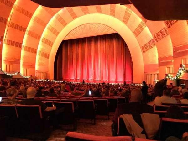 Radio City Music Hall, secção: Orchestra 1, fila: P, lugar: 108
