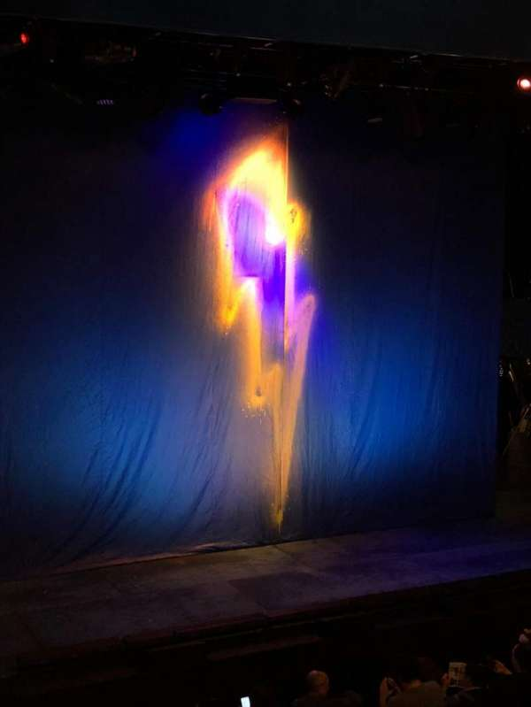 Longacre Theatre, secção: Mezzanine L, fila: A, lugar: 8