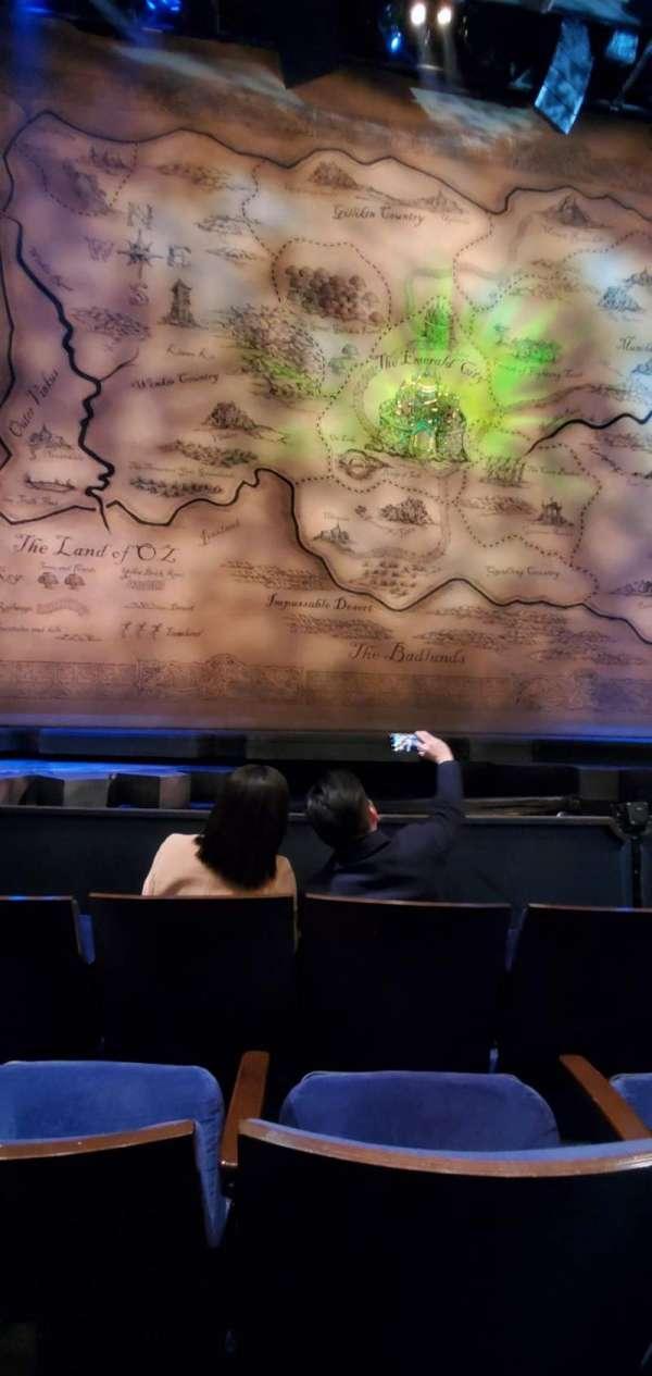 Gershwin Theatre, secção: Orchestra C, fila: dd, lugar: 106