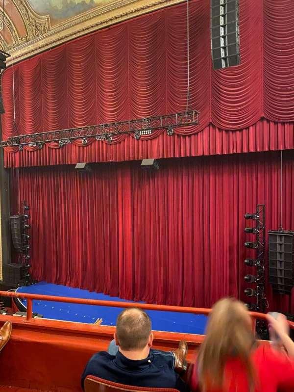 Chicago Theatre, secção: Loge2R, fila: Cc, lugar: 204