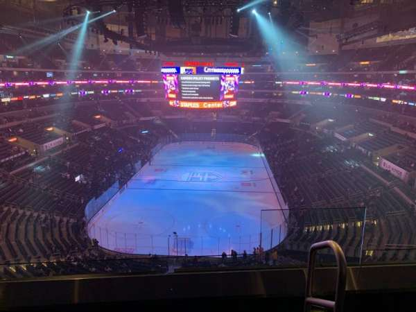 Staples Center, secção: 326, fila: 3