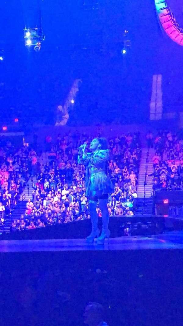 Nassau Veterans Memorial Coliseum, secção: 28, fila: 5, lugar: 2