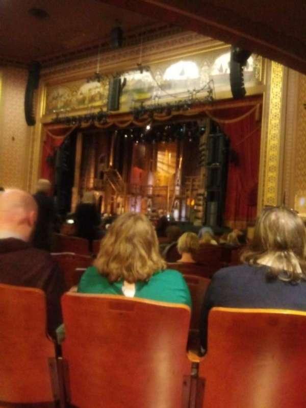 Altria Theater, secção: Orch-a, fila: V, lugar: 101