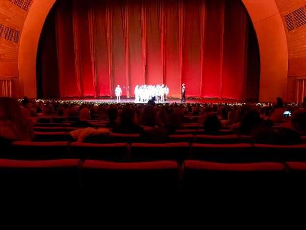 Radio City Music Hall, secção: 3, fila: AA, lugar: 8