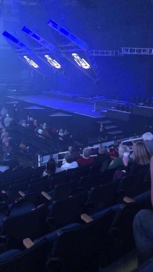 Infinite Energy Arena, secção: 106, fila: N, lugar: 10