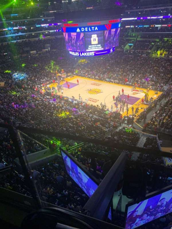 Staples Center, secção: 332, fila: 1, lugar: 10