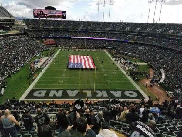 Oakland Coliseum, secção: 329, fila: 12 , lugar: 4