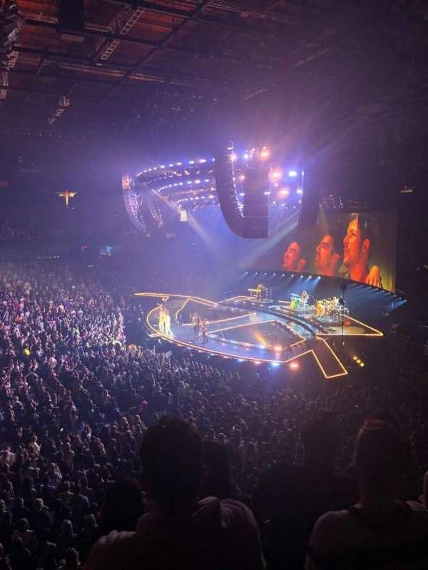 Allstate Arena, secção: 210, fila: D, lugar: 30