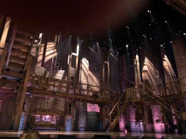 Richard Rodgers Theatre, secção: Orchestra L, fila: B, lugar: 1