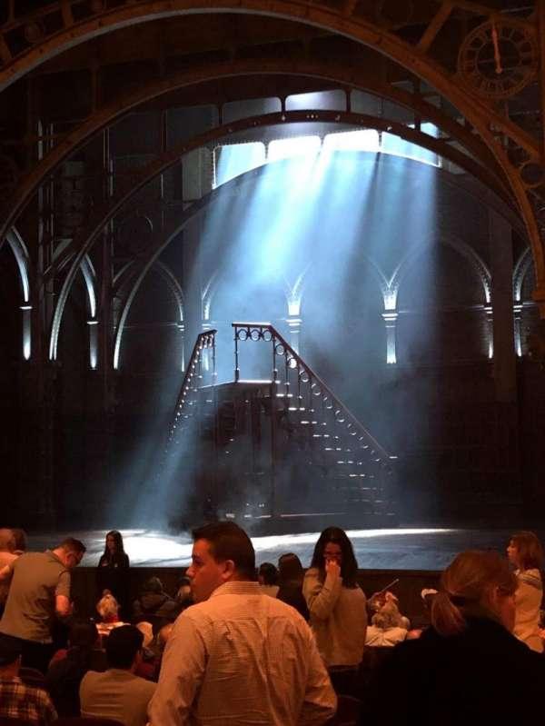 Lyric Theatre, secção: Orchestra R, fila: Q, lugar: 24