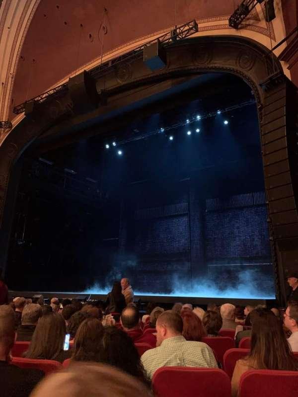 Broadway Theatre - 53rd Street, secção: Orchestra R, fila: K, lugar: 17