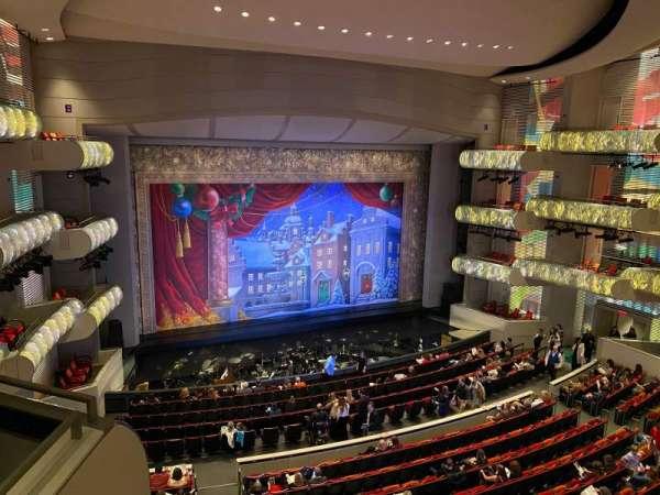 Muriel Kauffman Theatre, secção: Grand Tier Left, fila: BBB, lugar: 912
