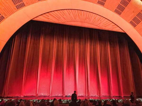 Radio City Music Hall, secção: Orchestra 5, fila: PO, lugar: 504