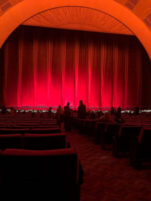 Radio City Music Hall, secção: Orchestra 5, fila: XX, lugar: 501