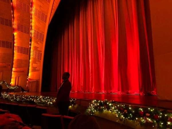 Radio City Music Hall, secção: Orchestra 2, fila: EE, lugar: 201
