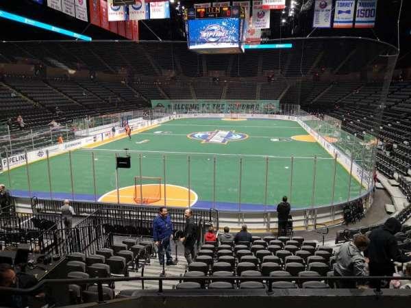 Nassau Veterans Memorial Coliseum, secção: 109, fila: 5, lugar: 13