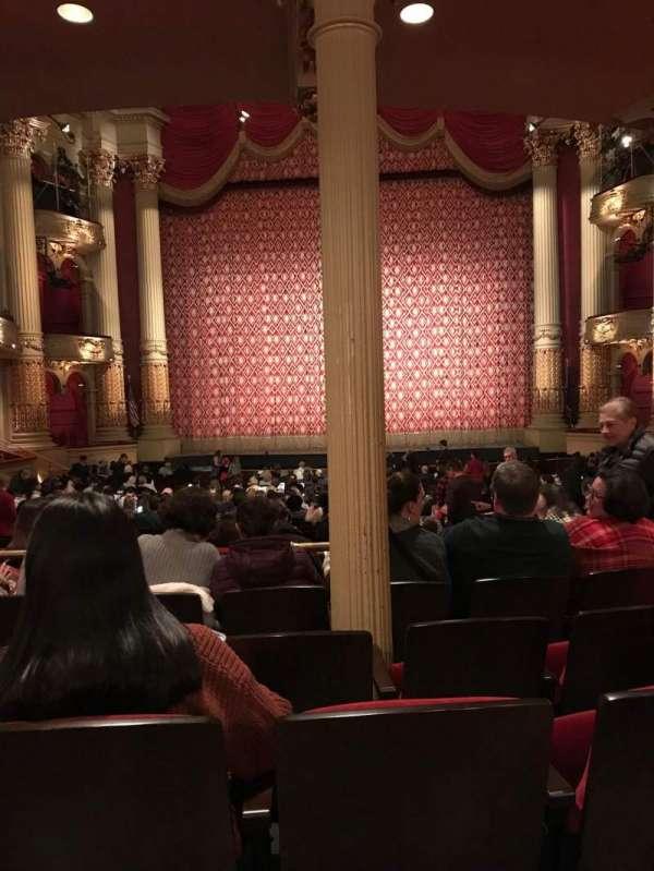 Academy of Music, secção: Parquet circle E, fila: X, lugar: 104