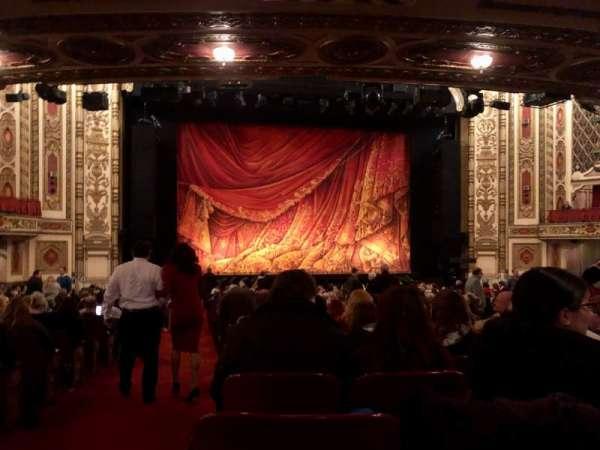Cadillac Palace Theater, secção: Orchestra C, fila: X, lugar: 101