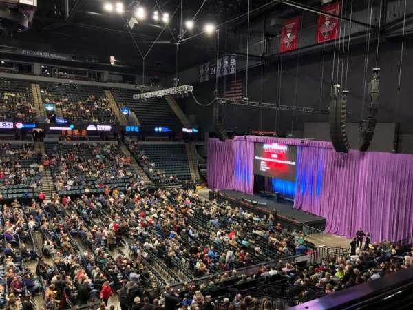 Van Andel Arena, secção: 222, fila: A, lugar: 8