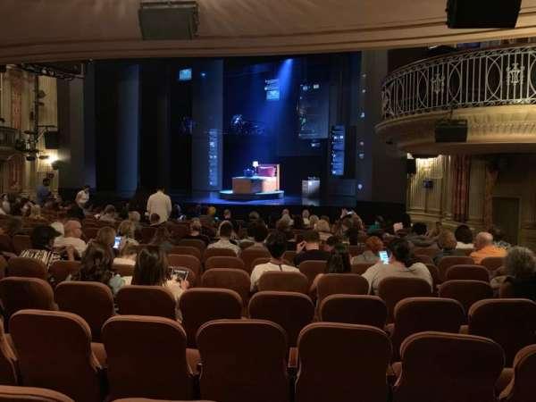 Music Box Theatre, secção: Orchestra R, fila: P, lugar: 24