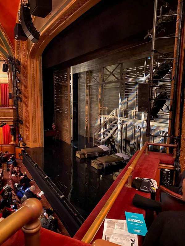 American Airlines Theatre, secção: Mezz Box, fila: RB, lugar: 6