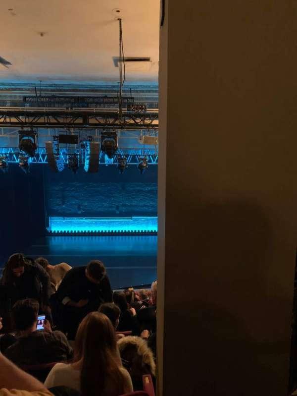 Broadhurst Theatre, secção: Mezzanine C, fila: K, lugar: 112