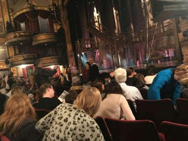 Richard Rodgers Theatre, secção: Orchestra R, fila: E, lugar: 24