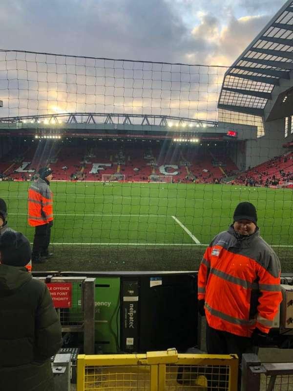 Anfield, secção: 124, fila: 2, lugar: 92