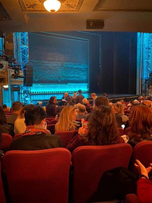 Broadhurst Theatre, secção: Orchestra L, fila: O, lugar: 15