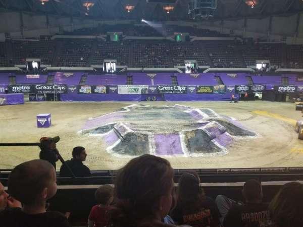 Hampton Coliseum, secção: G, fila: 10, lugar: 16