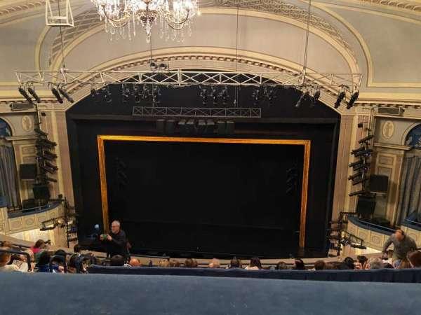 Ambassador Theatre, secção: RMezz, fila: C, lugar: 122