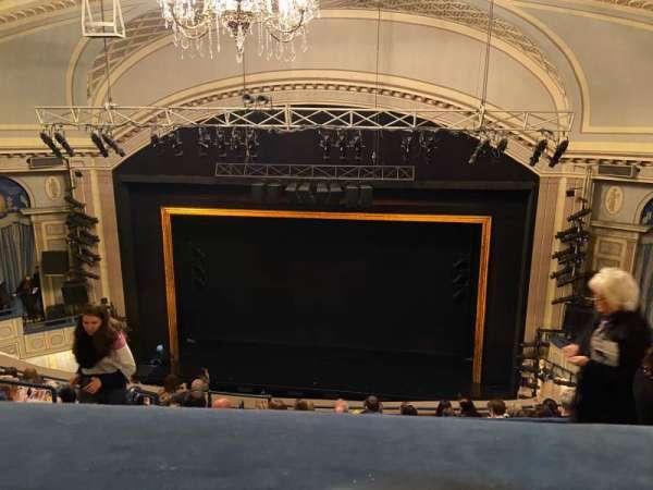 Ambassador Theatre, secção: R Mezz, fila: C, lugar: 122