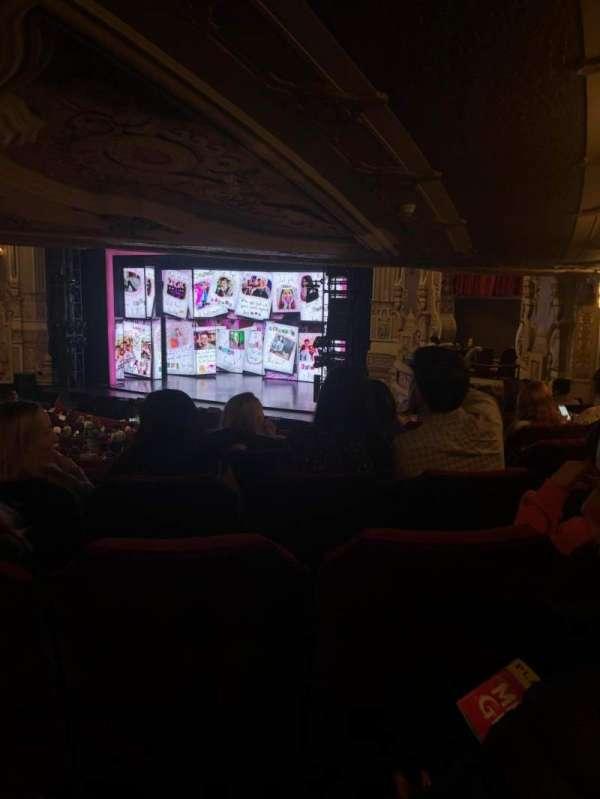 James M. Nederlander Theatre, secção: Dress Circle R, fila: LL, lugar: 10