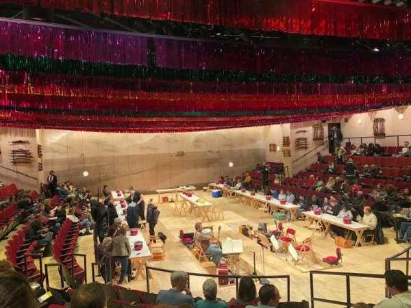 Circle in the Square Theatre, secção: Orchestra 100 (Odd), fila: H, lugar: 115