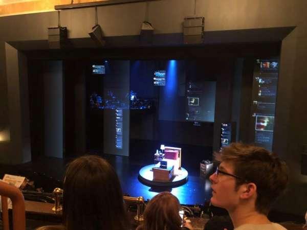 Music Box Theatre, secção: Mezzanine R, fila: C, lugar: 4