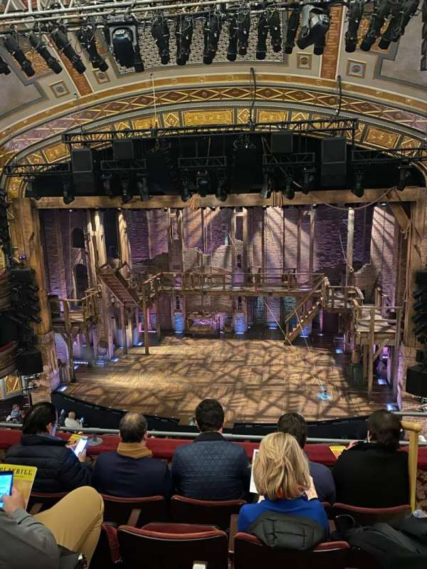 Richard Rodgers Theatre, secção: Front Mezzanine C, fila: E, lugar: 102