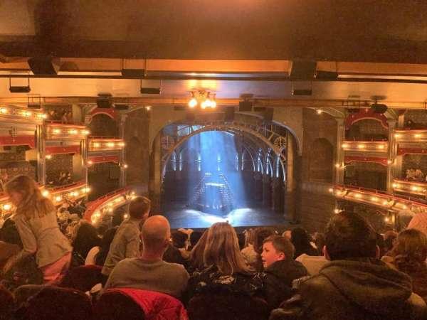 Lyric Theatre, secção: Dress Circle C, fila: L, lugar: 104