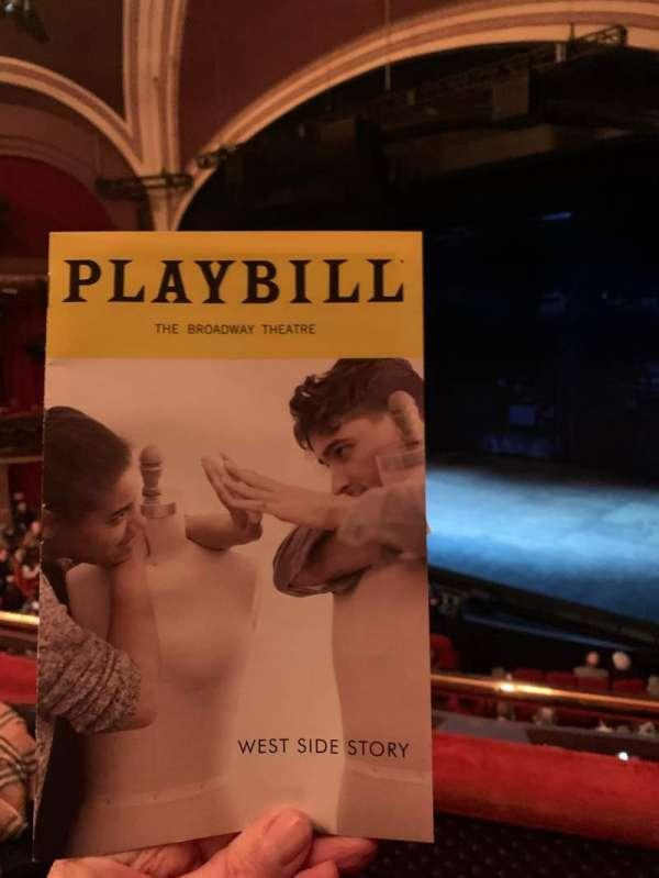 Broadway Theatre - 53rd Street, secção: Front Mezzanine R, fila: B, lugar: 9