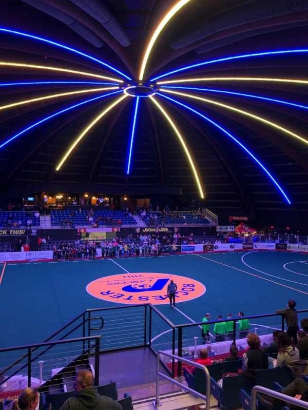 Blue Cross Arena, secção: 205, fila: H, lugar: 4