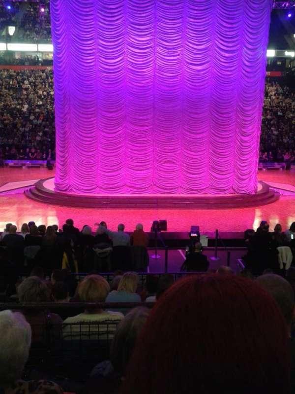 Manchester Arena, secção: 114, fila: J, lugar: 8
