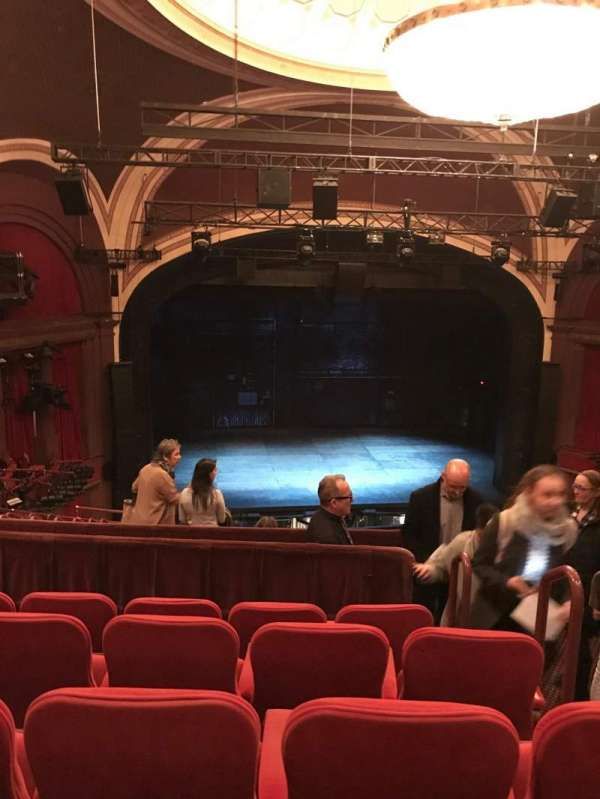 Broadway Theatre - 53rd Street, secção: front mezzanine lc, fila: e, lugar: 106