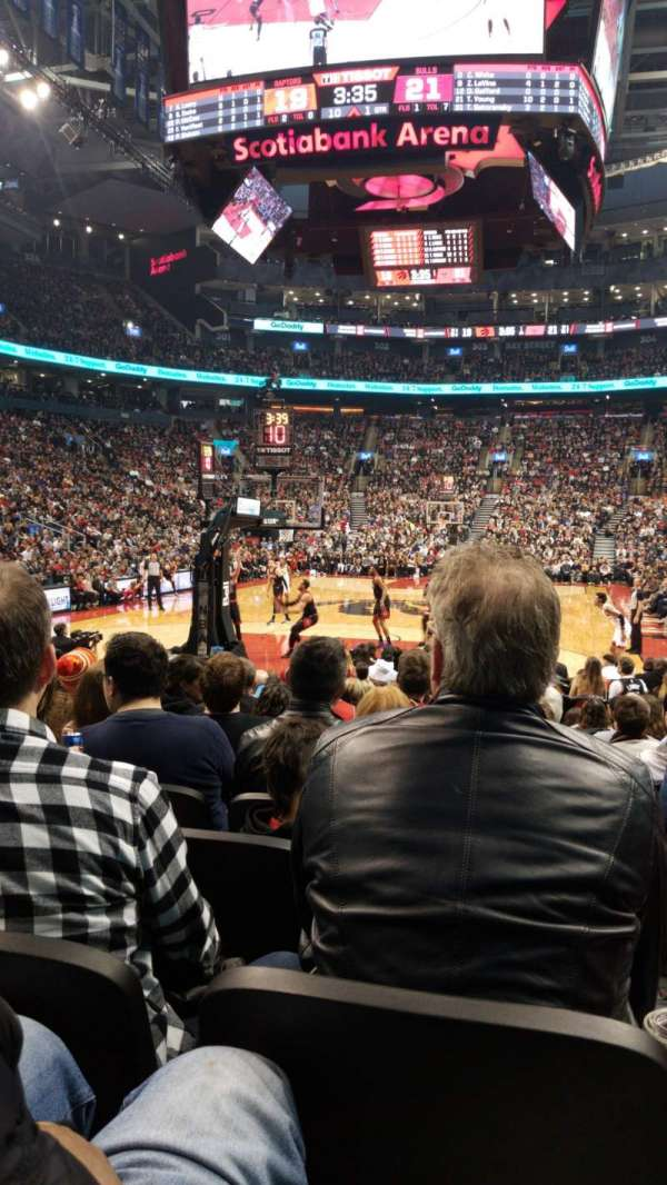 Scotiabank Arena, secção: 113, fila: 6, lugar: 3