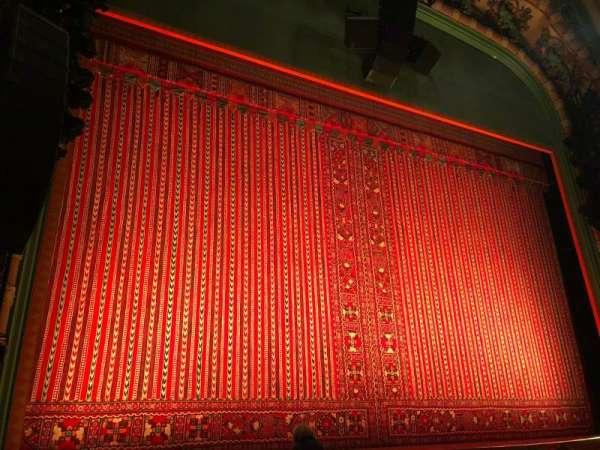 New Amsterdam Theatre, secção: Orchestra L, fila: G, lugar: 5-7