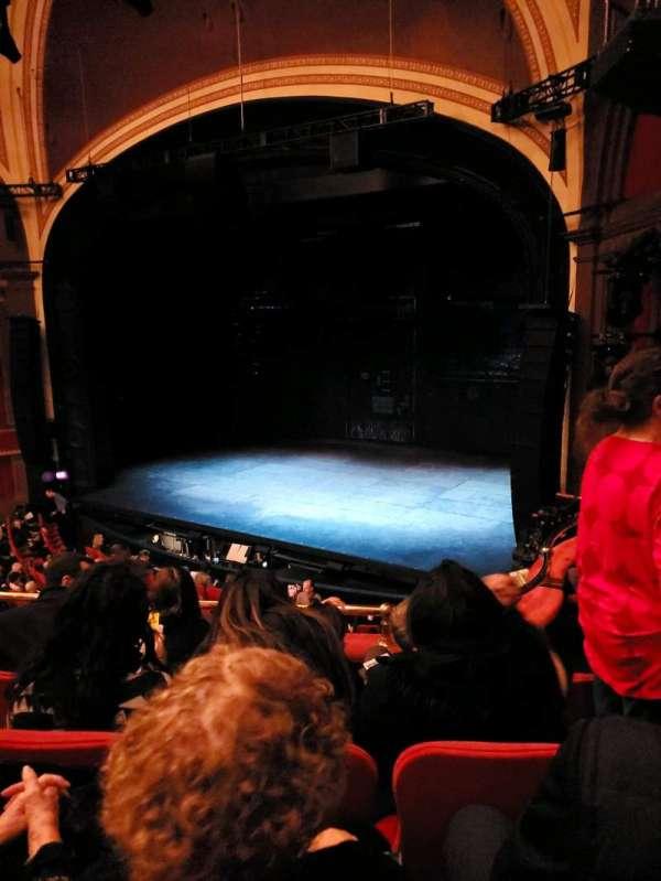 Broadway Theatre - 53rd Street, secção: Front Mezzanine R, fila: D, lugar: 17