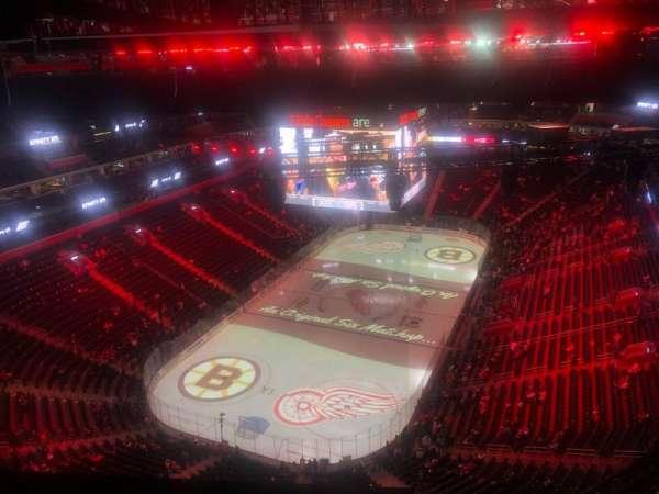 Little Caesars Arena, secção: 301, fila: 1, lugar: 6