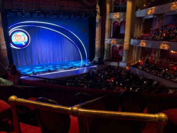 Academy of Music, secção: Balcony F, fila: A, lugar: 13