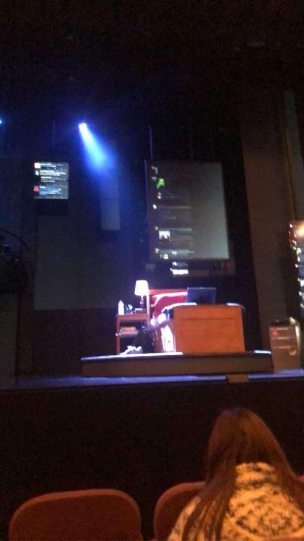 Music Box Theatre, secção: Orchestra C, fila: D, lugar: 107
