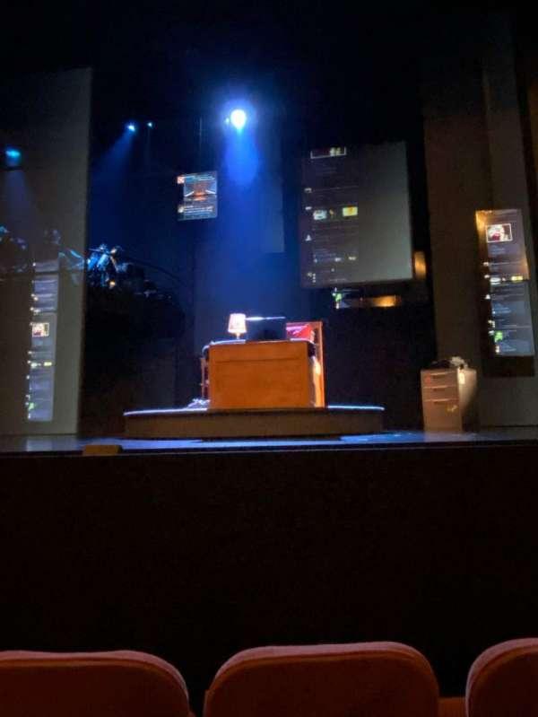 Music Box Theatre, secção: Orchestra C, fila: C, lugar: 103
