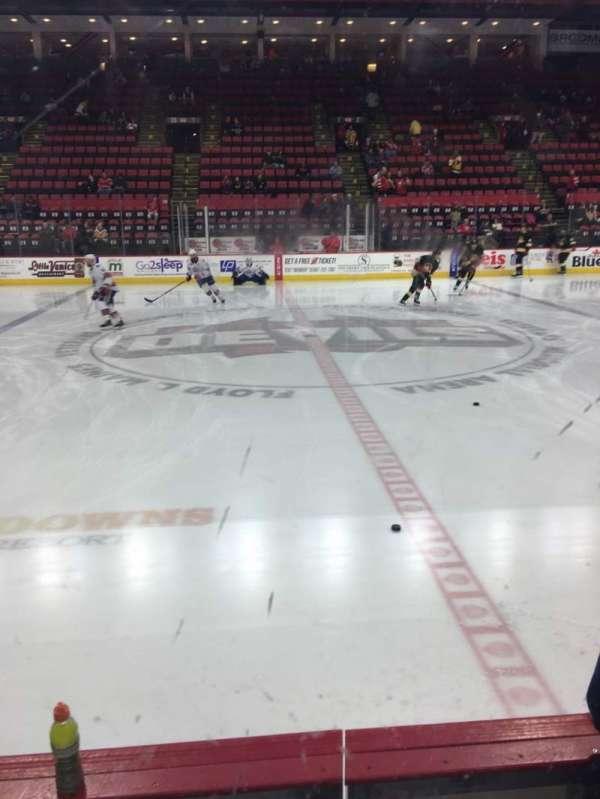Floyd L. Maines Veterans Memorial Arena, secção: 15, fila: BB, lugar: 11-12